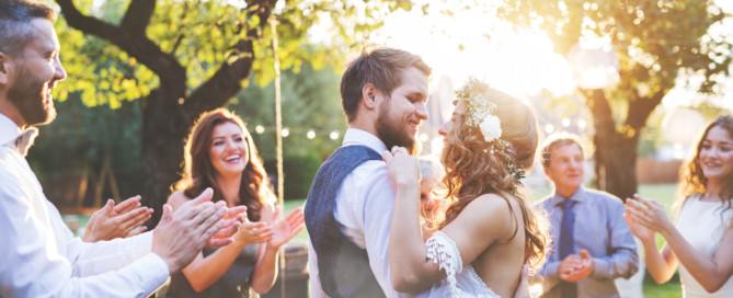 A Guide To Affordable Wedding Photography